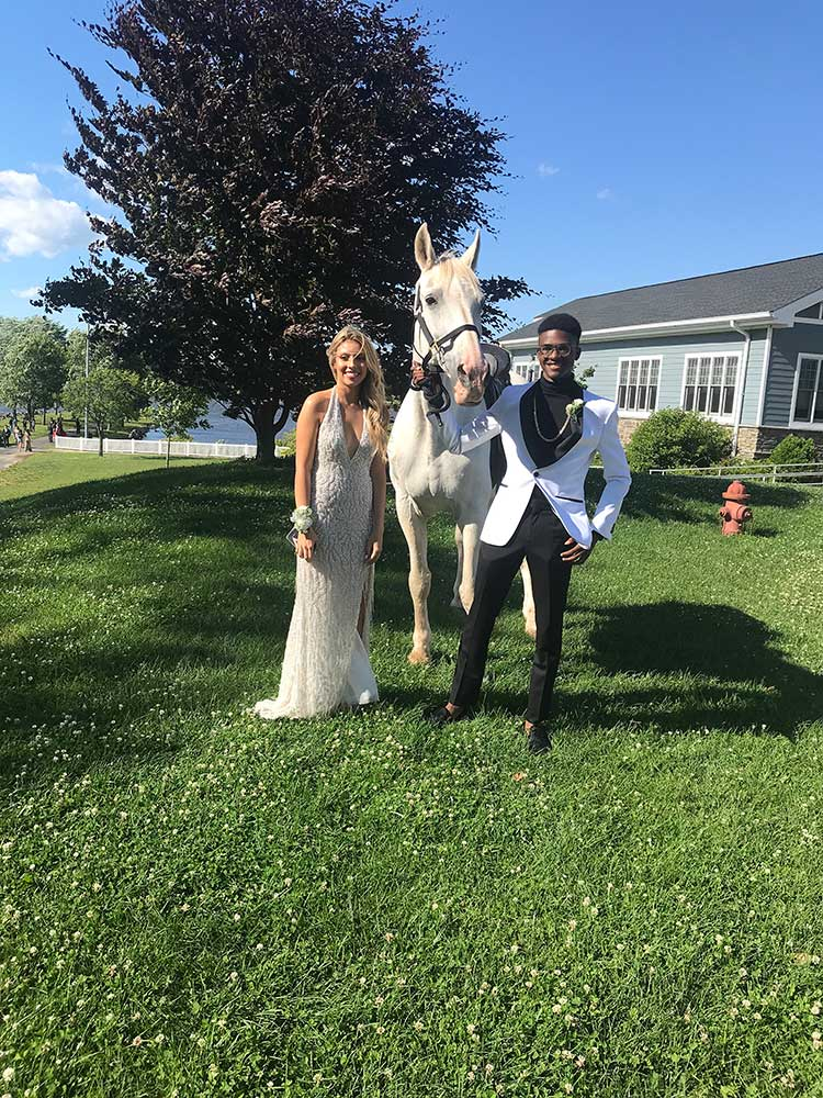 Prom couple Photoshoot with horse