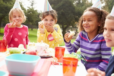 Serving Healthy Foods at a Child's Party