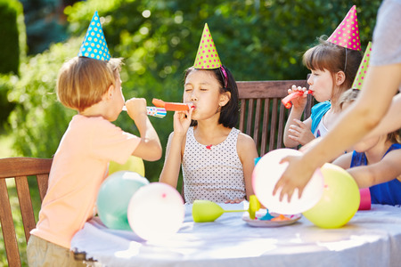 Five Easy Steps to Throwing a Giftless Party